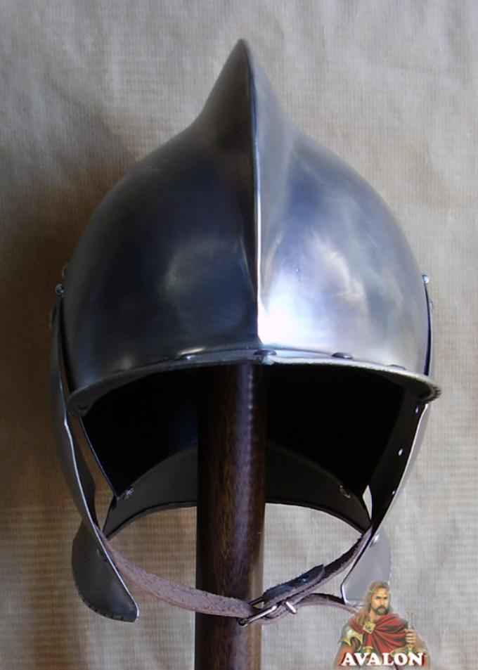 Elmi medievali elmo borgognotta elmo cavaliere for Mobili norvegesi